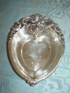 11: Wallace Sterling Silver Heart Shape Bowl Bowl weigh