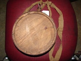 21: Wood Canteen Round wood canteen with wood stopper 7