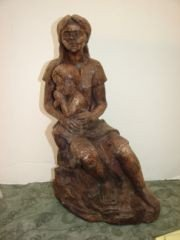 18: Mother & Child Sculpture