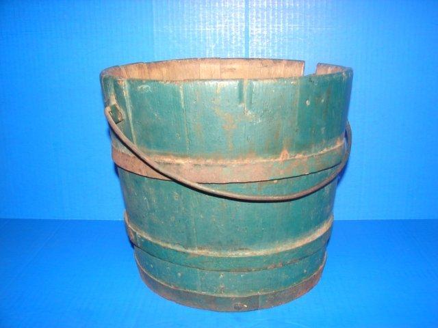 Earlly Shaker Wood Bucket