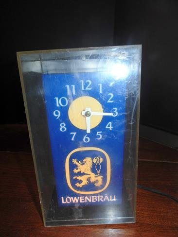 Lowenbrau Beer Advertising Light Clock