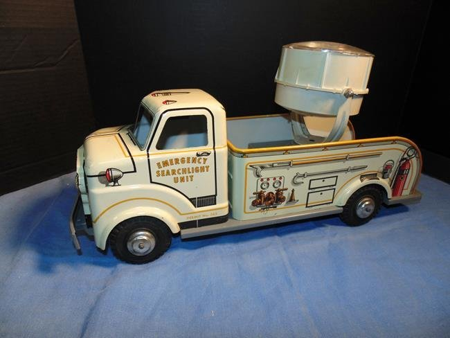 Marx Tin LItho Emergency Search Light Truck