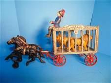 Hubley Royal Circus Wagon With 2 Tigers