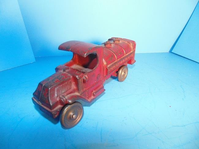 Champion Gas  & Motor Oil Cast Iron Truck - 2