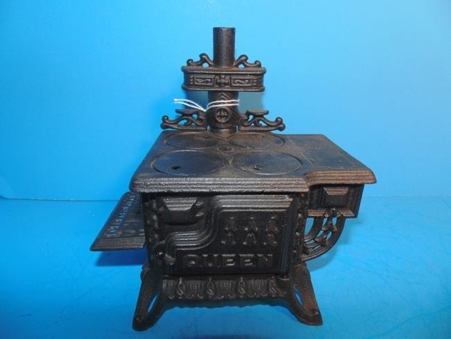 Ark Cast Iron Toy Stove