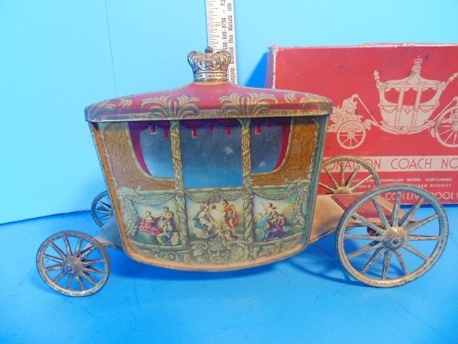Coronation Coach Novelty Tin Litho - 2