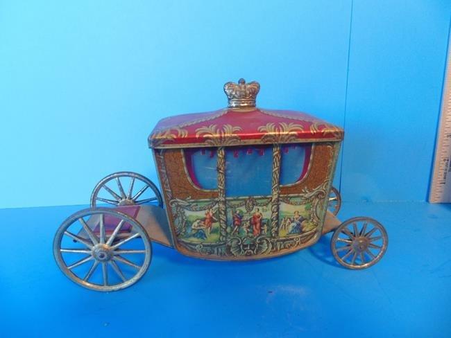 Coronation Coach Novelty Tin Litho - 3