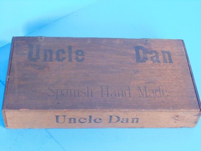 Uncle Dan Spanish Hand Made Cigar Box - 2