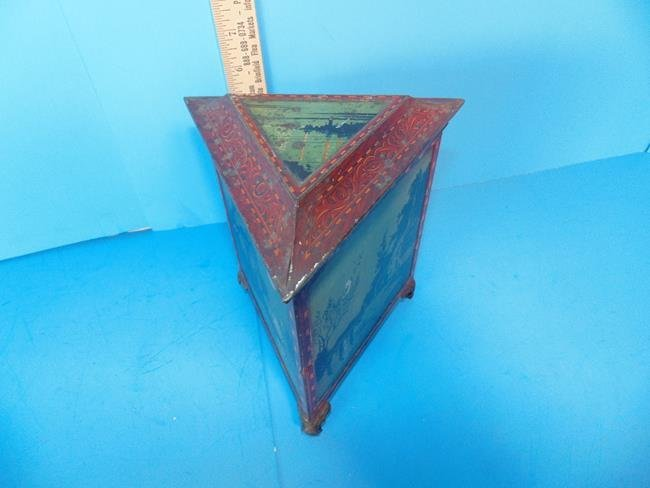 Huntley & Palmer Biscuit Tin Triangle Moonlight - 2