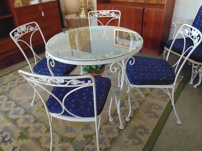 Woodard Wrought Iron Table & Chairs