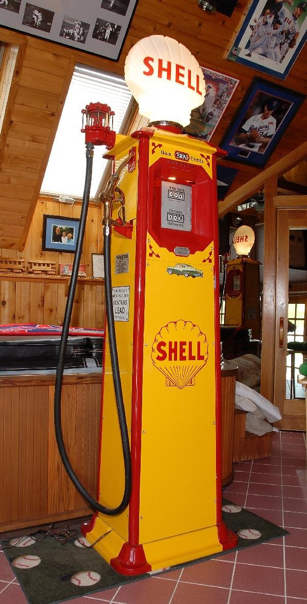 24: Wayne Model 40 Gas Pump, with Shell Globe, yellow a
