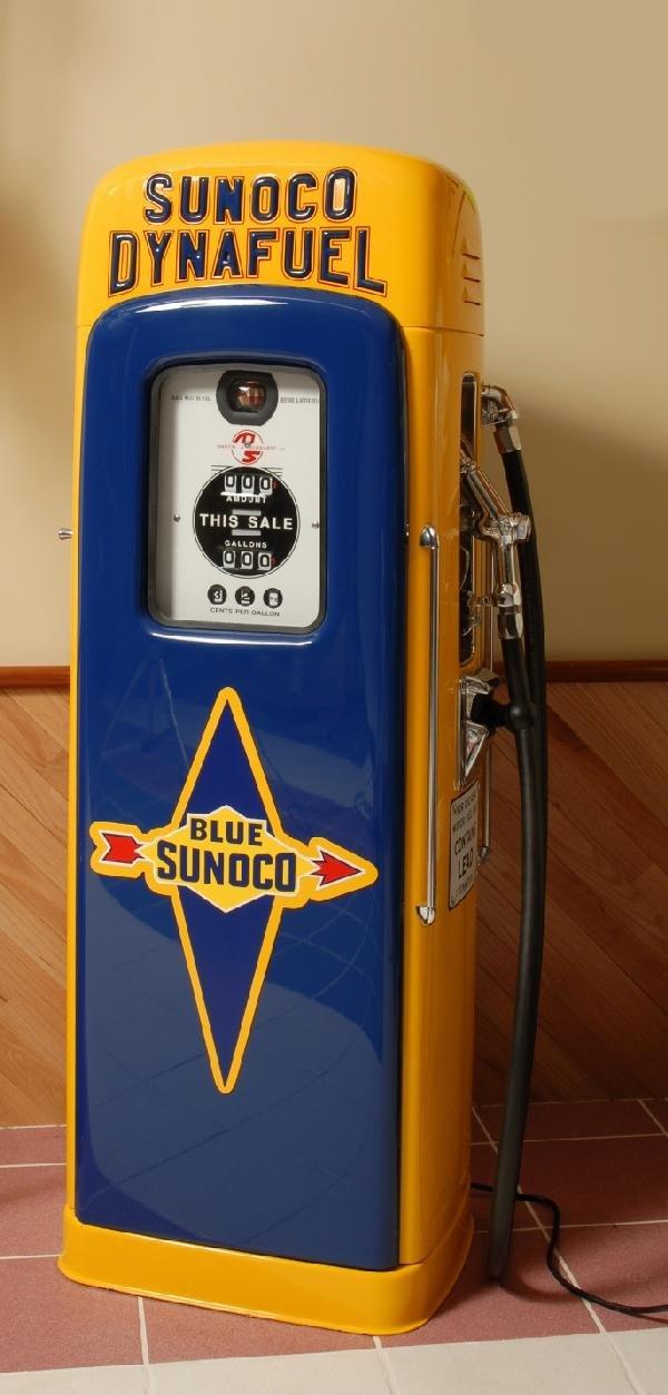 36: Wayne Model 80 Sunoco Dyna Fuel restored gas pump,