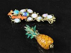 2 14k yellow gold pins 1 carved amber pineapple