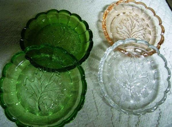 16: Heisey 4 Piece Set Of Coaster With A Charter Oak Pa