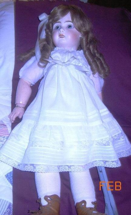 132: Dolls Porcelain, Jumeau Doll, Jointed Composition