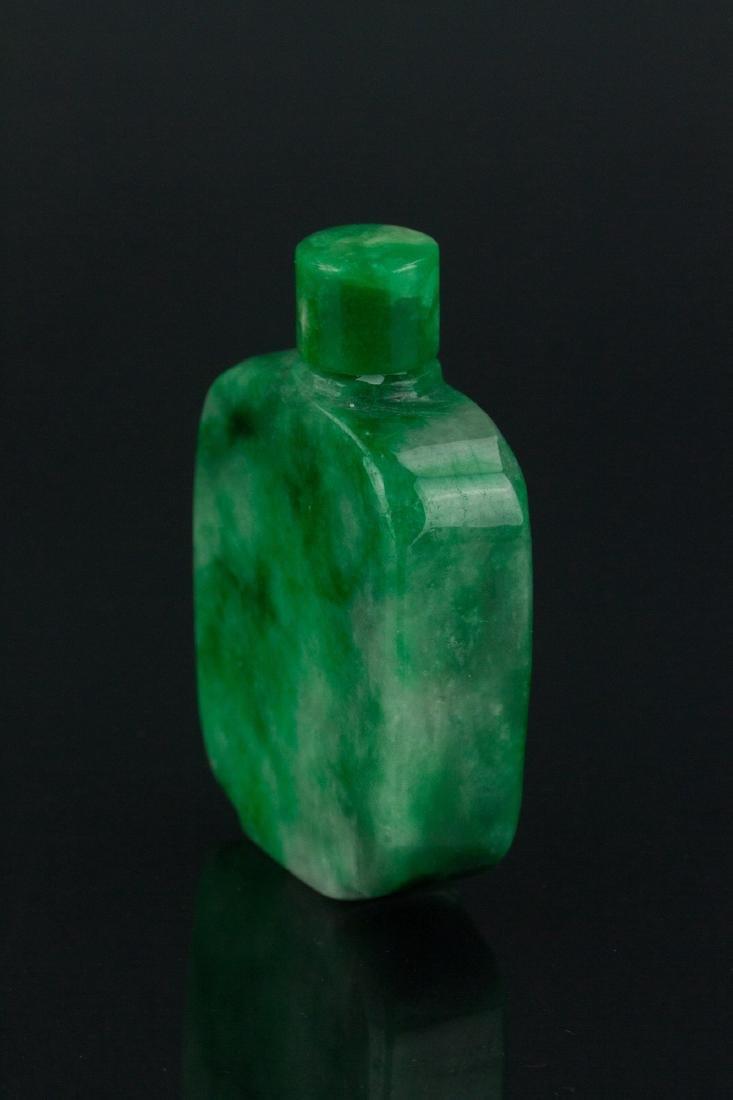 19th Century Chinese Green Jade Snuff Bottle - 2