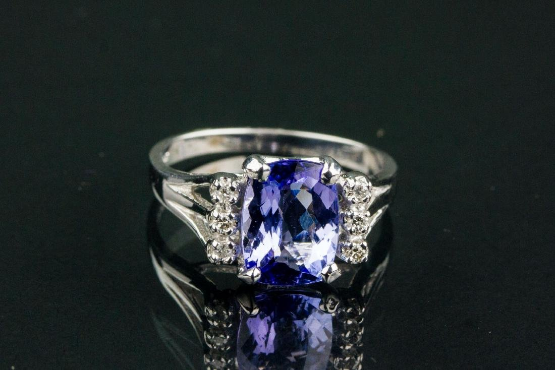 14k Gold 2.35ct Tanzanite & Diamond Ring CRV$2600