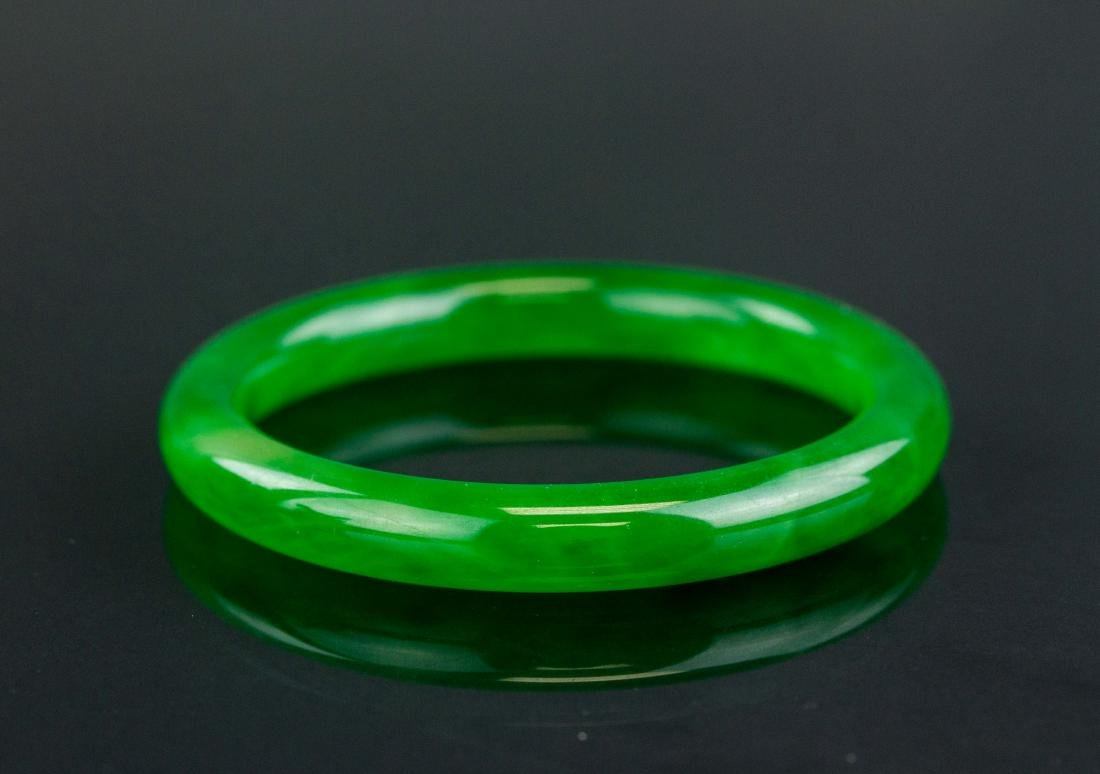 Chinese Fine Imperial Green Jadeite Bangle