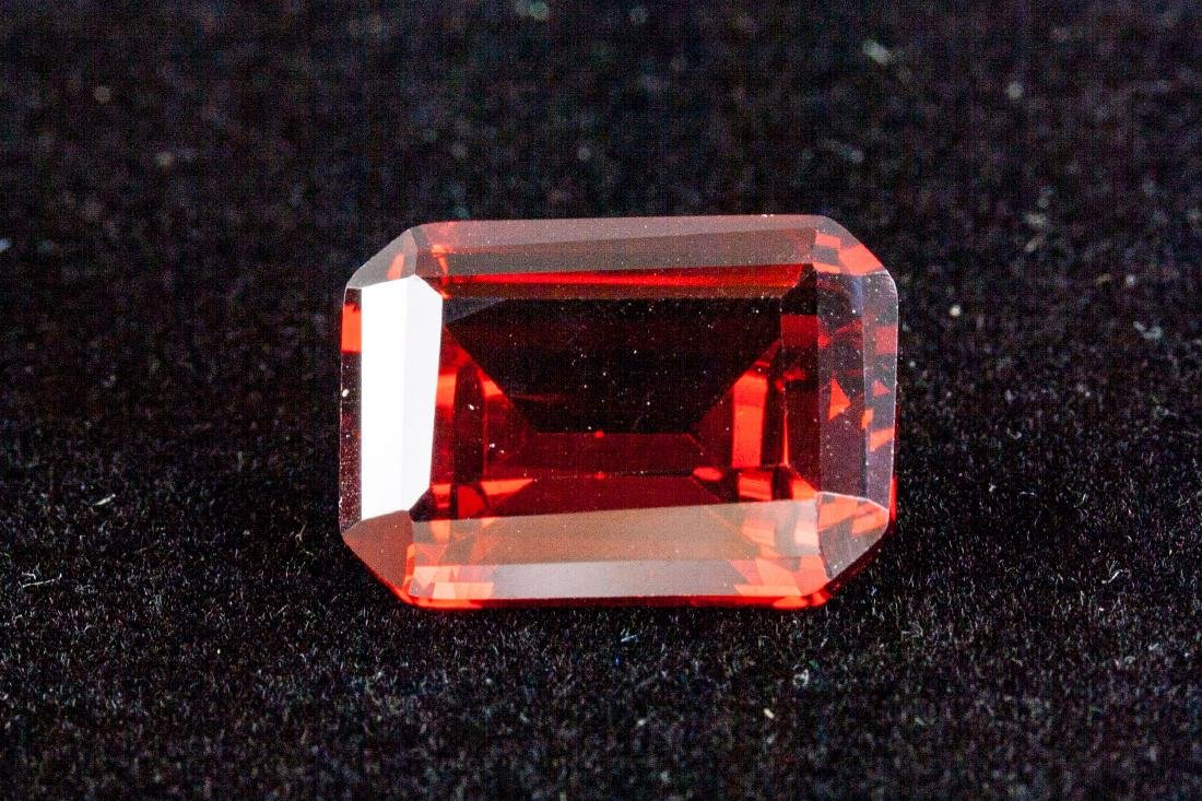 EXQUISITE 29.26 CT PIGEON BLOOD RED RUBY