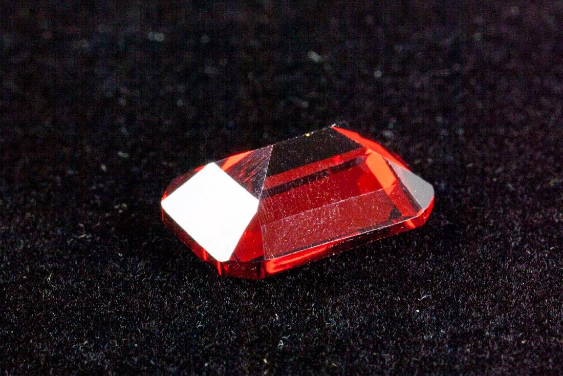 EXQUISITE 29.26 CT PIGEON BLOOD RED RUBY - 2