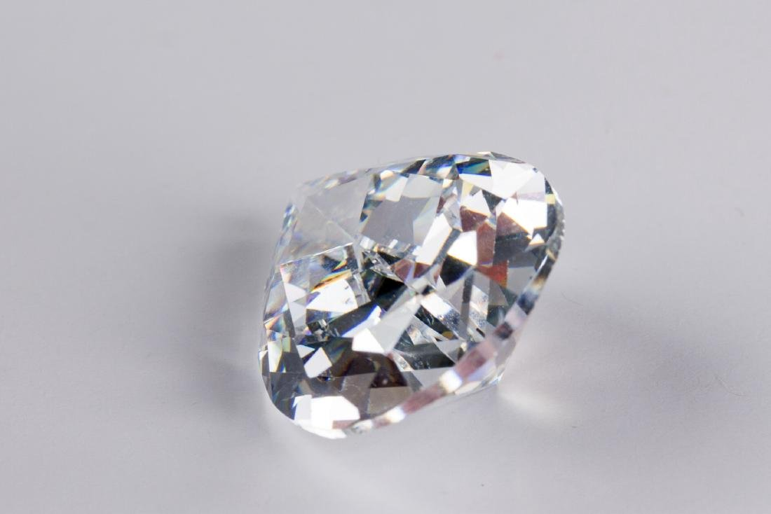 Pear Cut 34 CT VVS Top White Sapphire 16 x 22 - 3