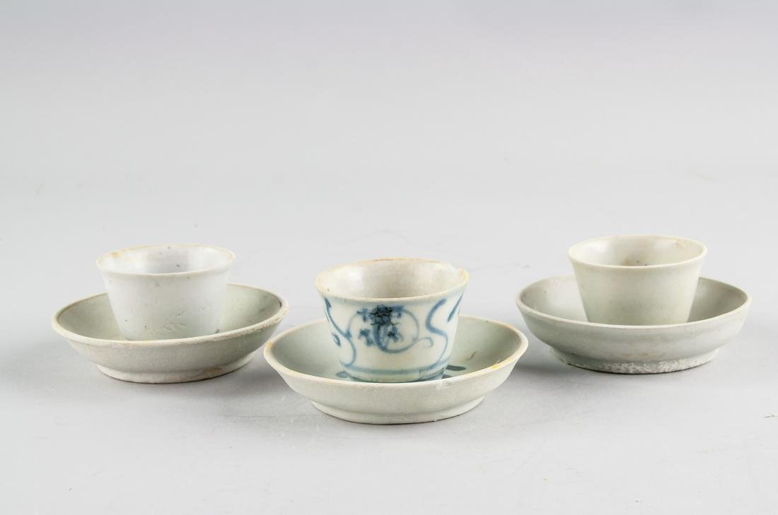 3 16/17th Century China B&W Cups Saucers Sumatra