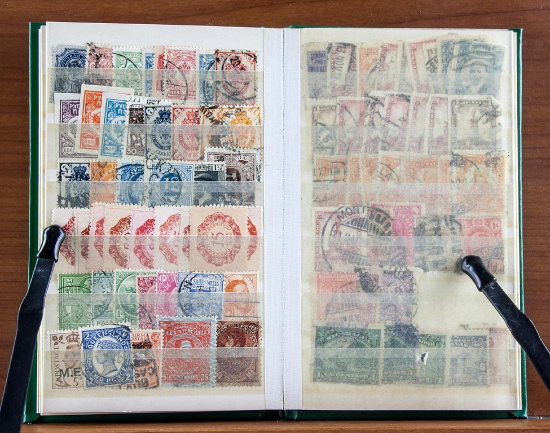 World Stamp Collection Book 615 Assorted Stamps - 3