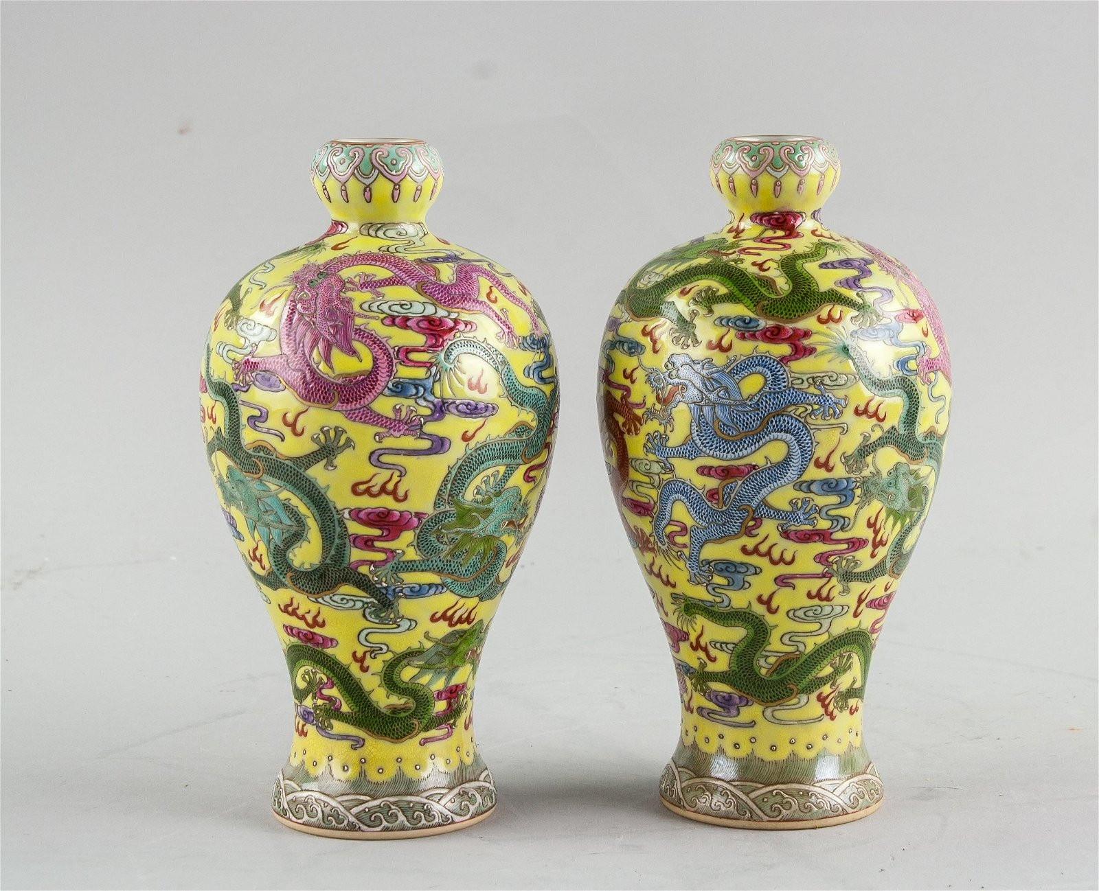19th Century Pair China Porcelain Vase Yongzheng