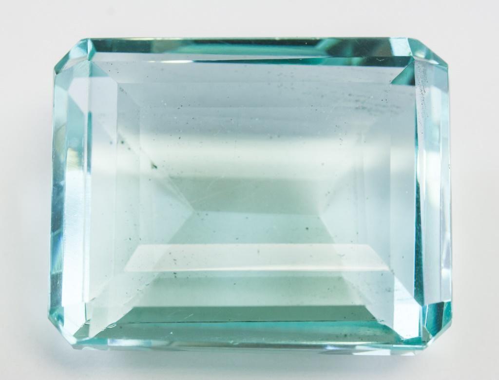 """92.00ct Emerald Cut Blue Natural """"Aquamrine"""" GGL"""