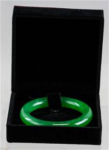 Chinese Imperial Green Jadeite Bangle COA