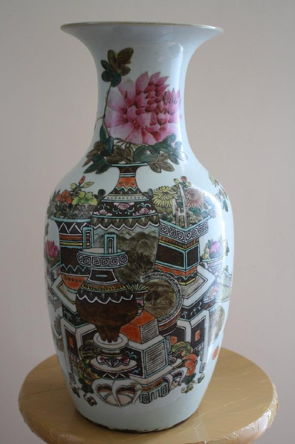 6: Chinese 18th century style famille-rose vase. H: 17