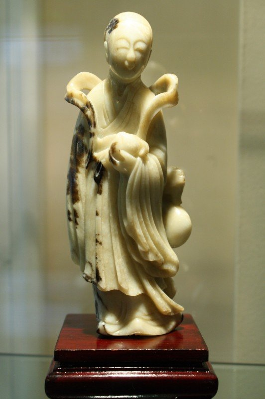 319A: Chinese Hetian White Jade, finely carved Kwan Yin