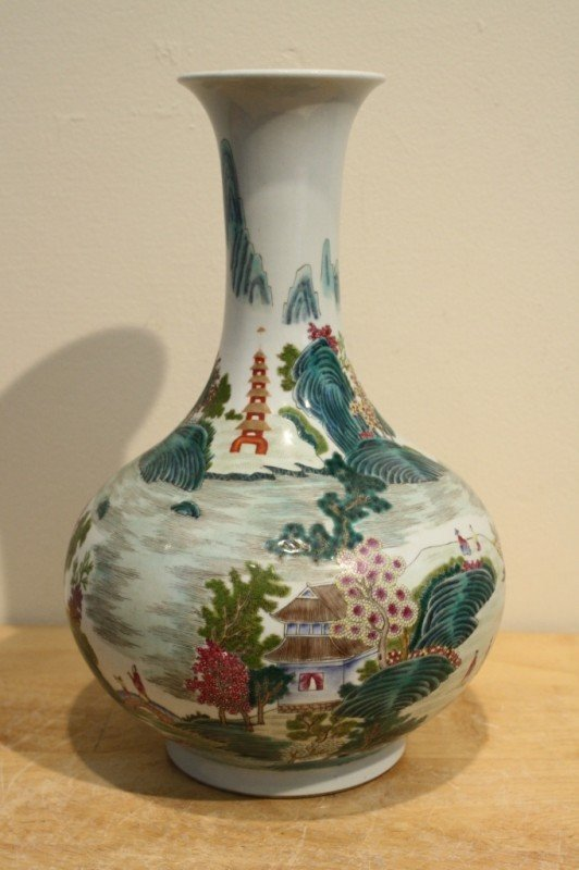 12: Famille Verte porcelain vase unknown mark