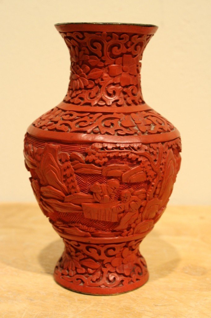11: Chinese antique cinnabar lacquer vase