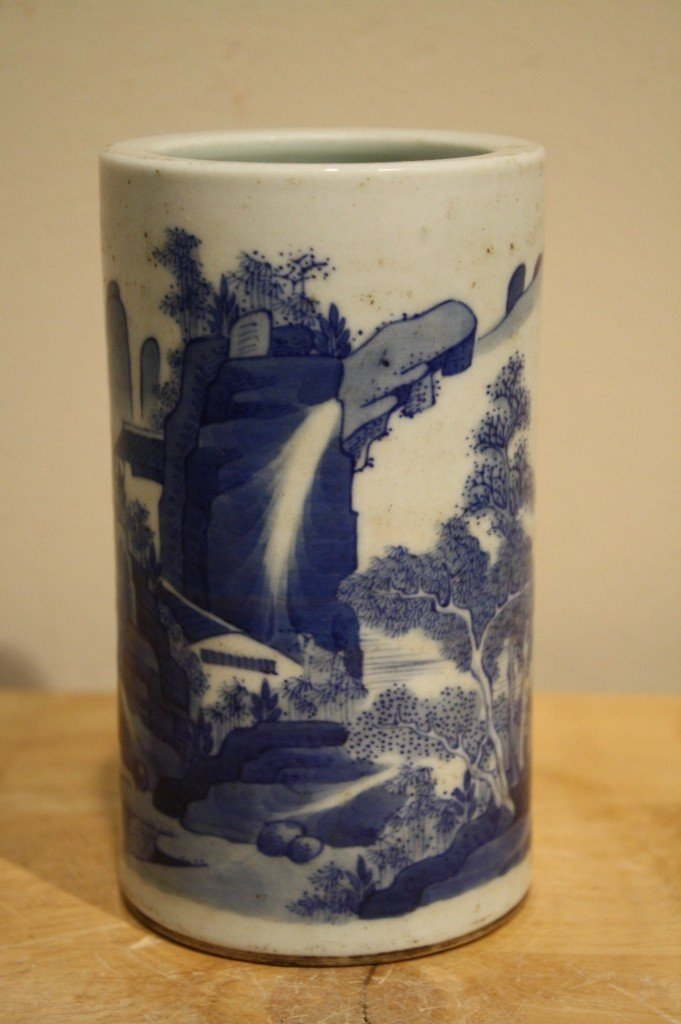 14: Chinese blue and white porcelain pen container