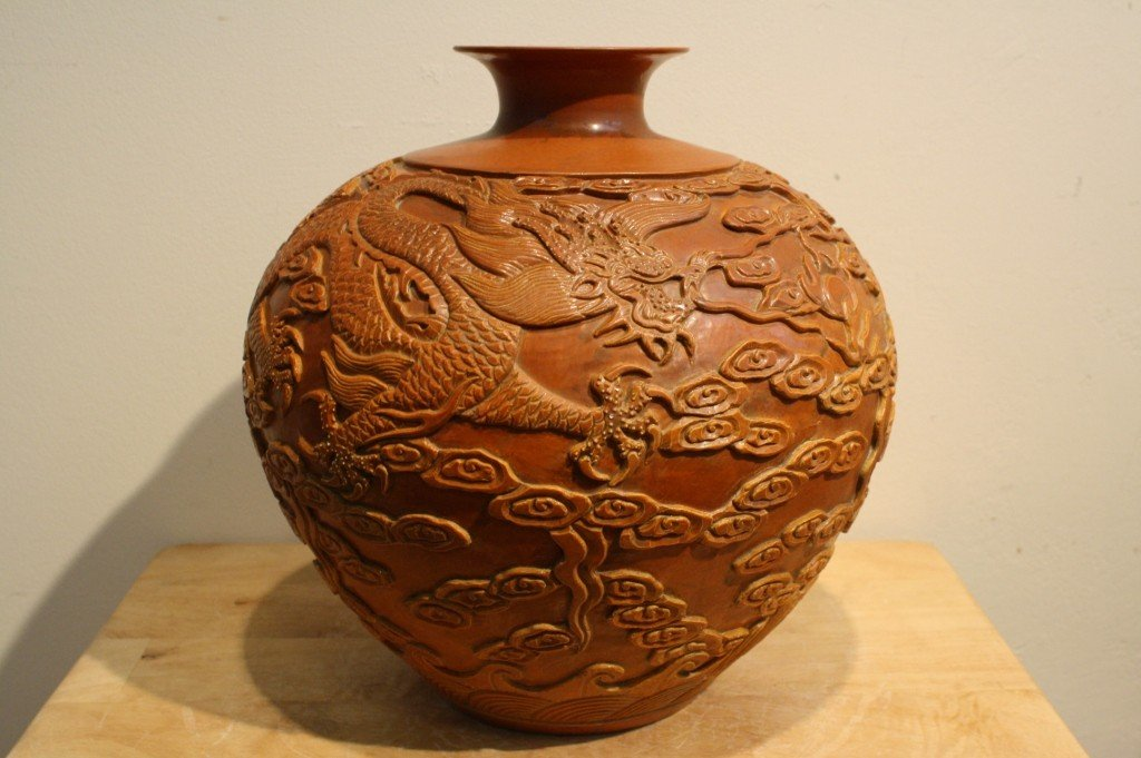 155A: Deeply carved Yaozhou vase with Qianlong Mark