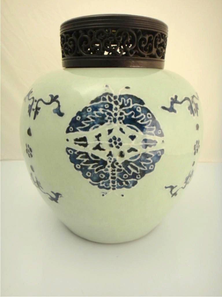 318: 18th C. Chinese Qianlong Blue & White Ginger Jar
