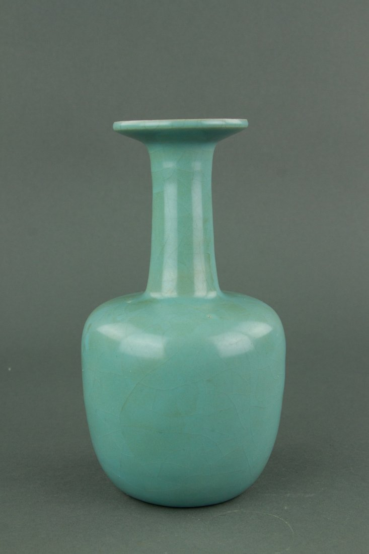 Chinese Song Style Porcelain Guan Vase - 2