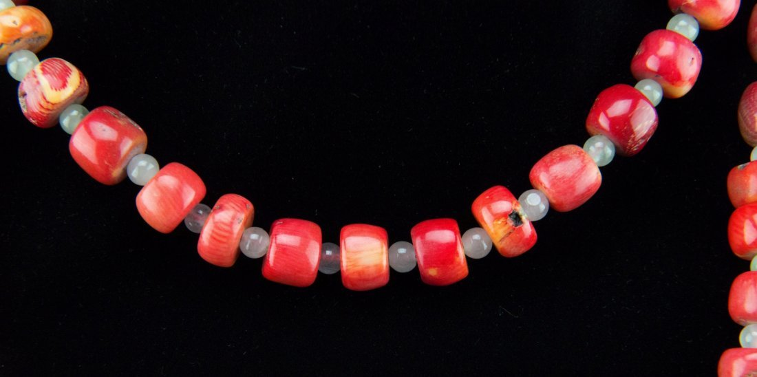 Chinese Coral and Jade Bead Necklace - 2