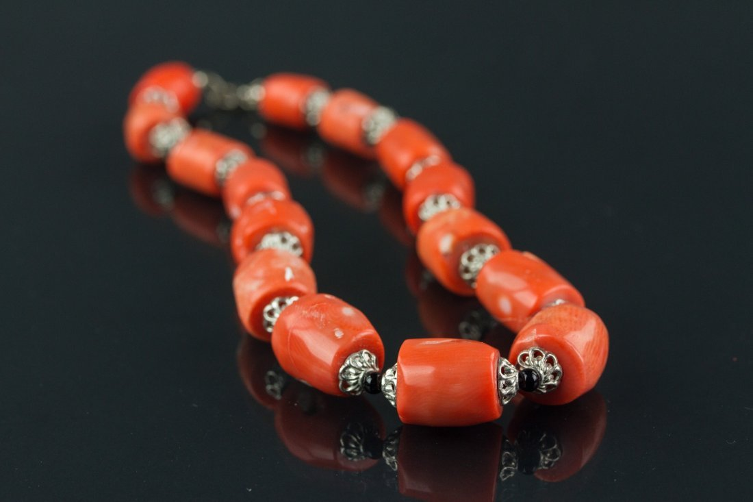 Coral Bracelet Jewellery Box and Porcelain Plate - 8