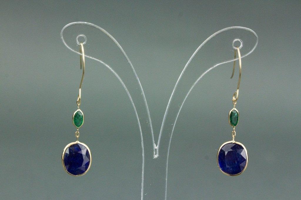 8.50 ct Sapphire & Emerald Earrings CRV$1880