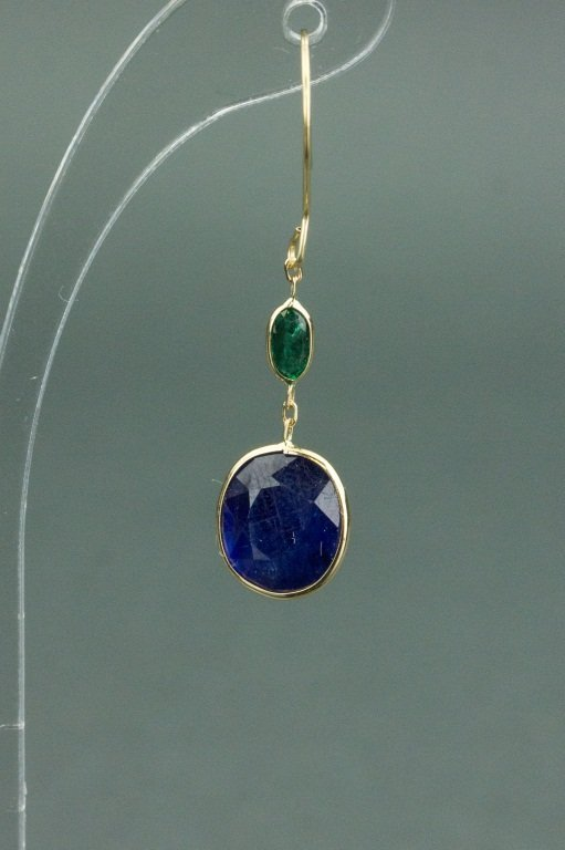 8.50 ct Sapphire & Emerald Earrings CRV$1880 - 3