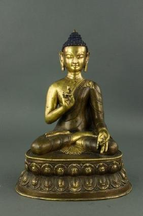 Chinese Fine Bronze Buddha 17th Century