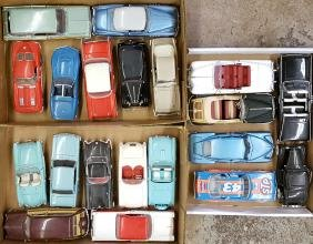 Five boxes of US model cars