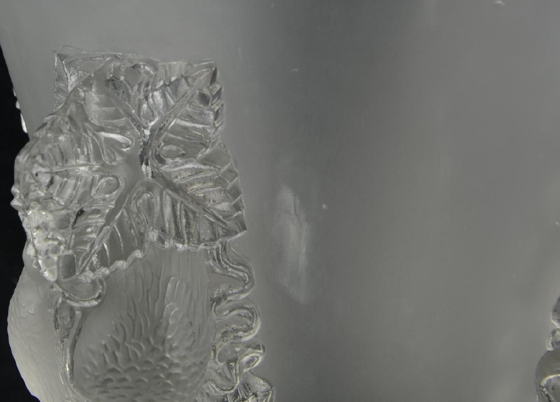 Lalique Saint-Emilion Vase - 2
