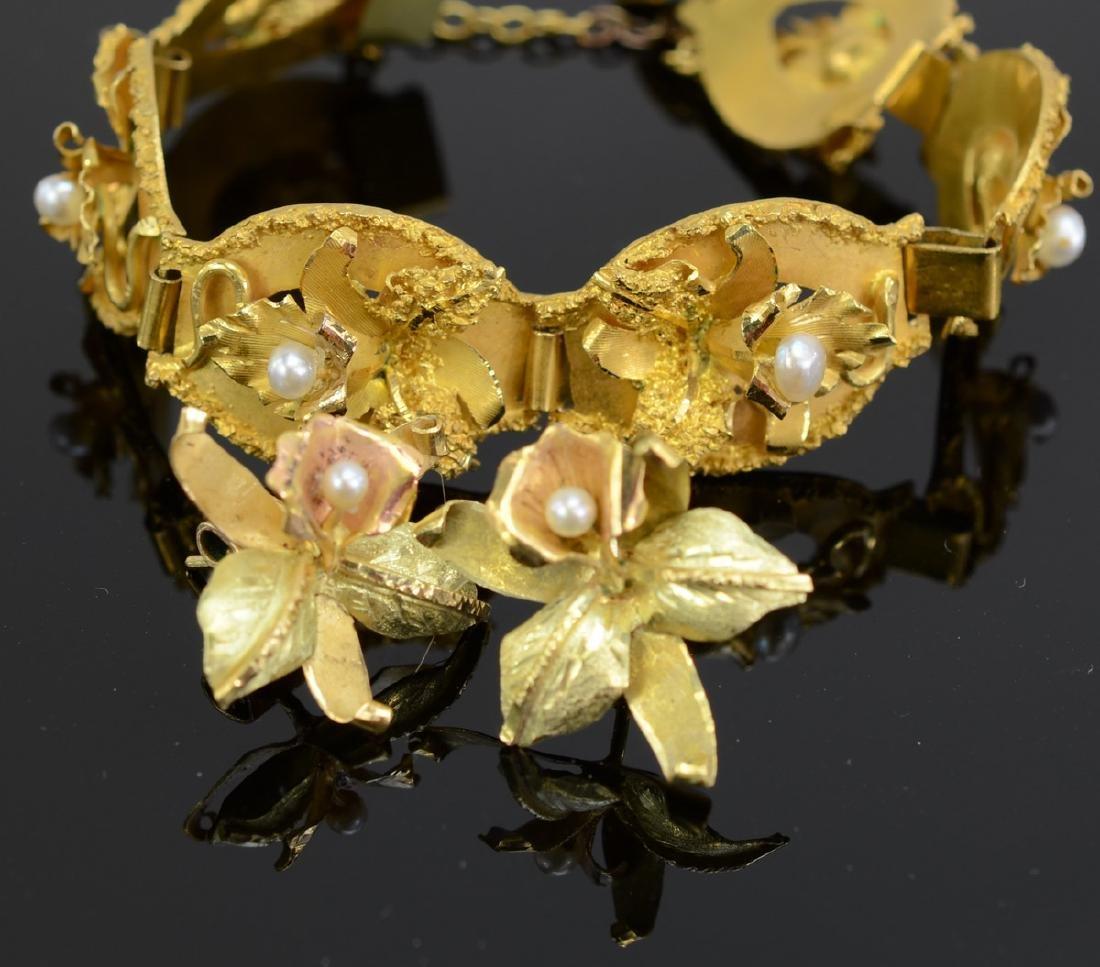 Ladies 18k Bracelet and Earrings