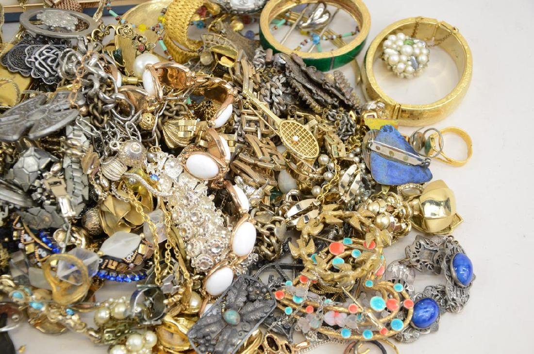 Vintage Fashion & Costume Jewelry - 2