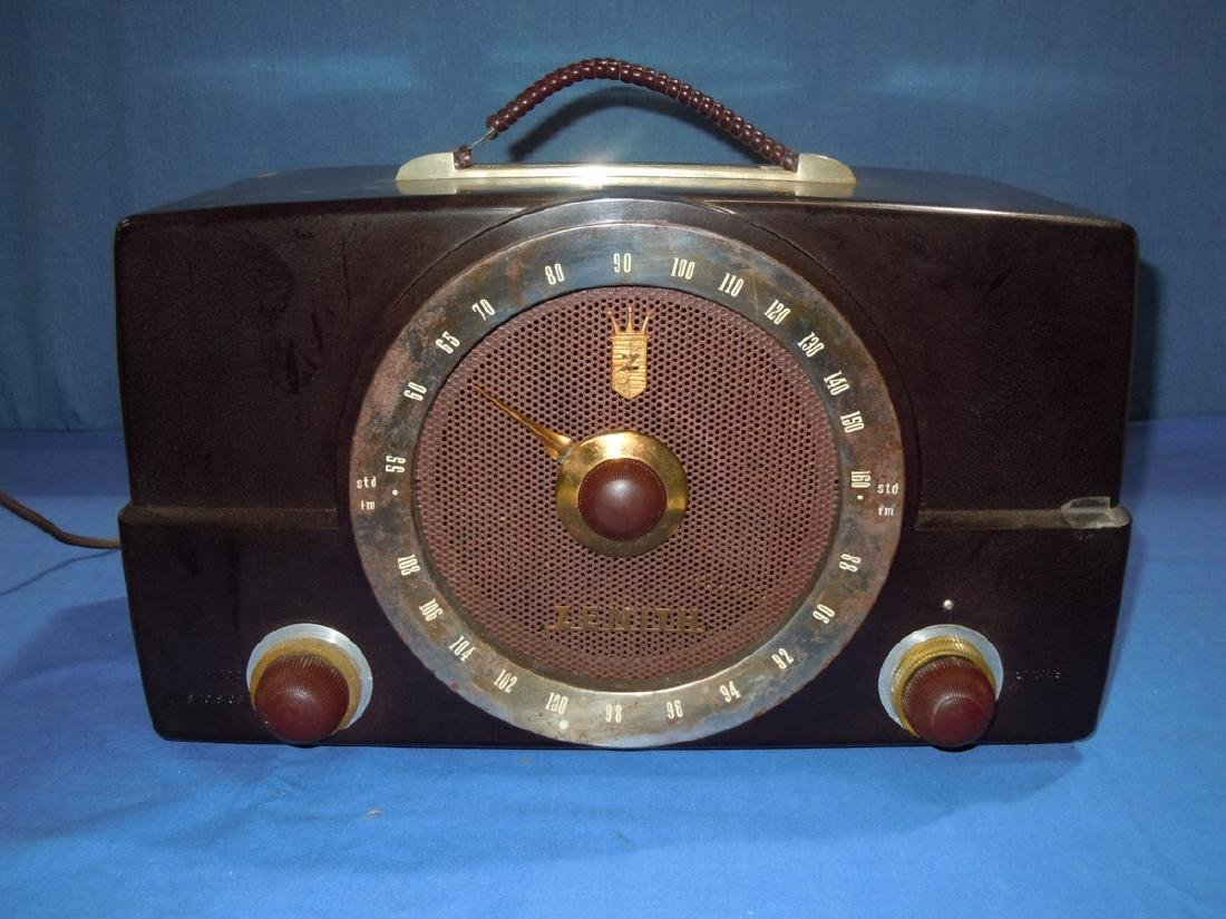 1950 Zenith Tube Radio Model H725
