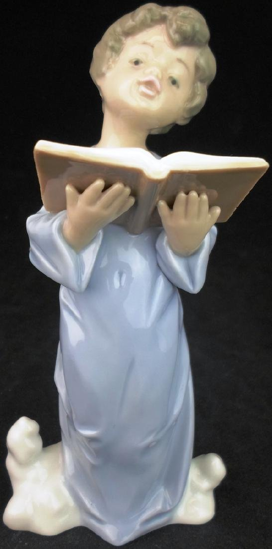Lladro 5724 Heavenly Voice Boy Angel w/Music