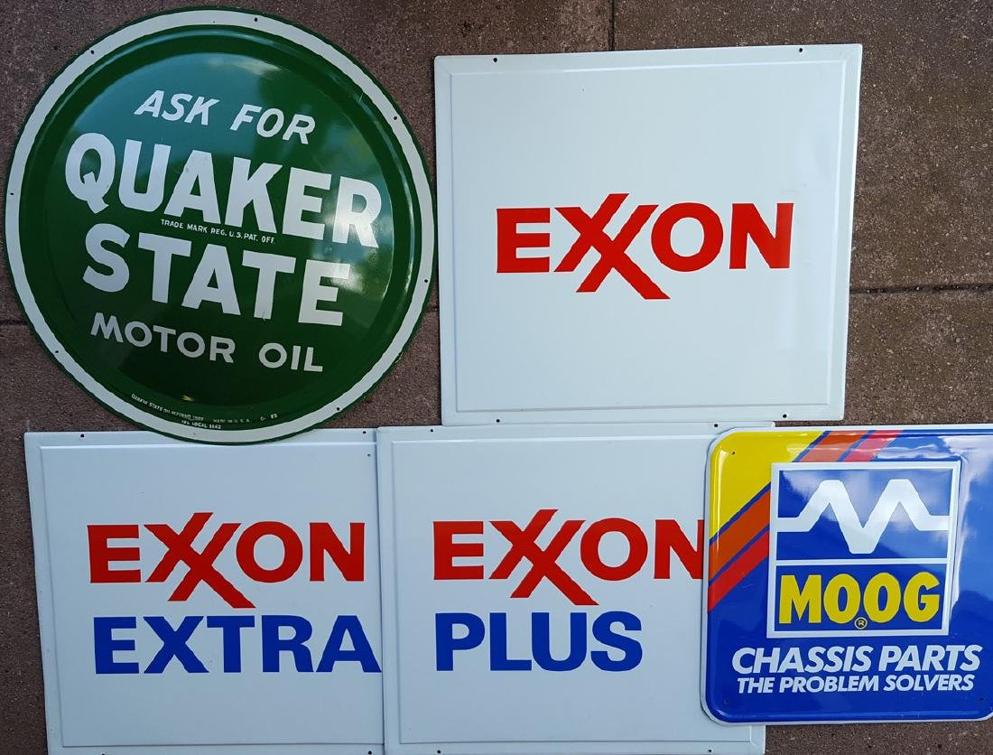 Signs, banners, incl NOS Quaker State